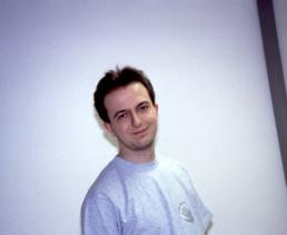 Lächeln kann ich und lächelnd morden (Bitmap Brothers-T-Shirt-Shoot)